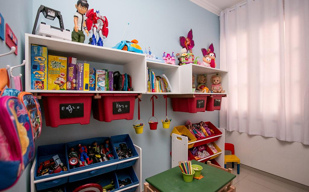 Meninos E Meninas De Nacionalidades Diferentes Childre: Porta Brinquedos!